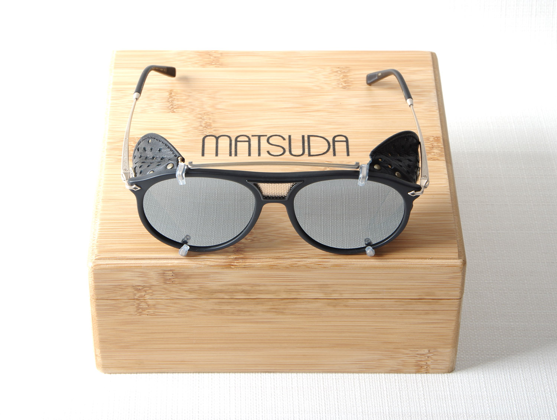 Lunettes MATSUDA M 2031 MBK Matte Black coques cuir - Opticien haut ... b93a0ea904d7