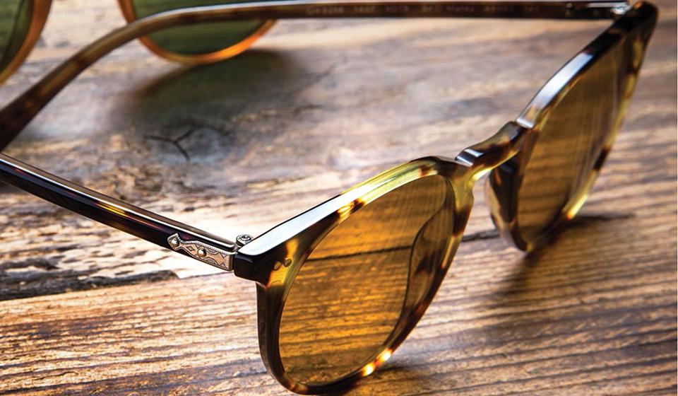 Lunettes de soleil vintage de la marque OLIVER PEOPLES à proximité ... 9568ecb2be3f