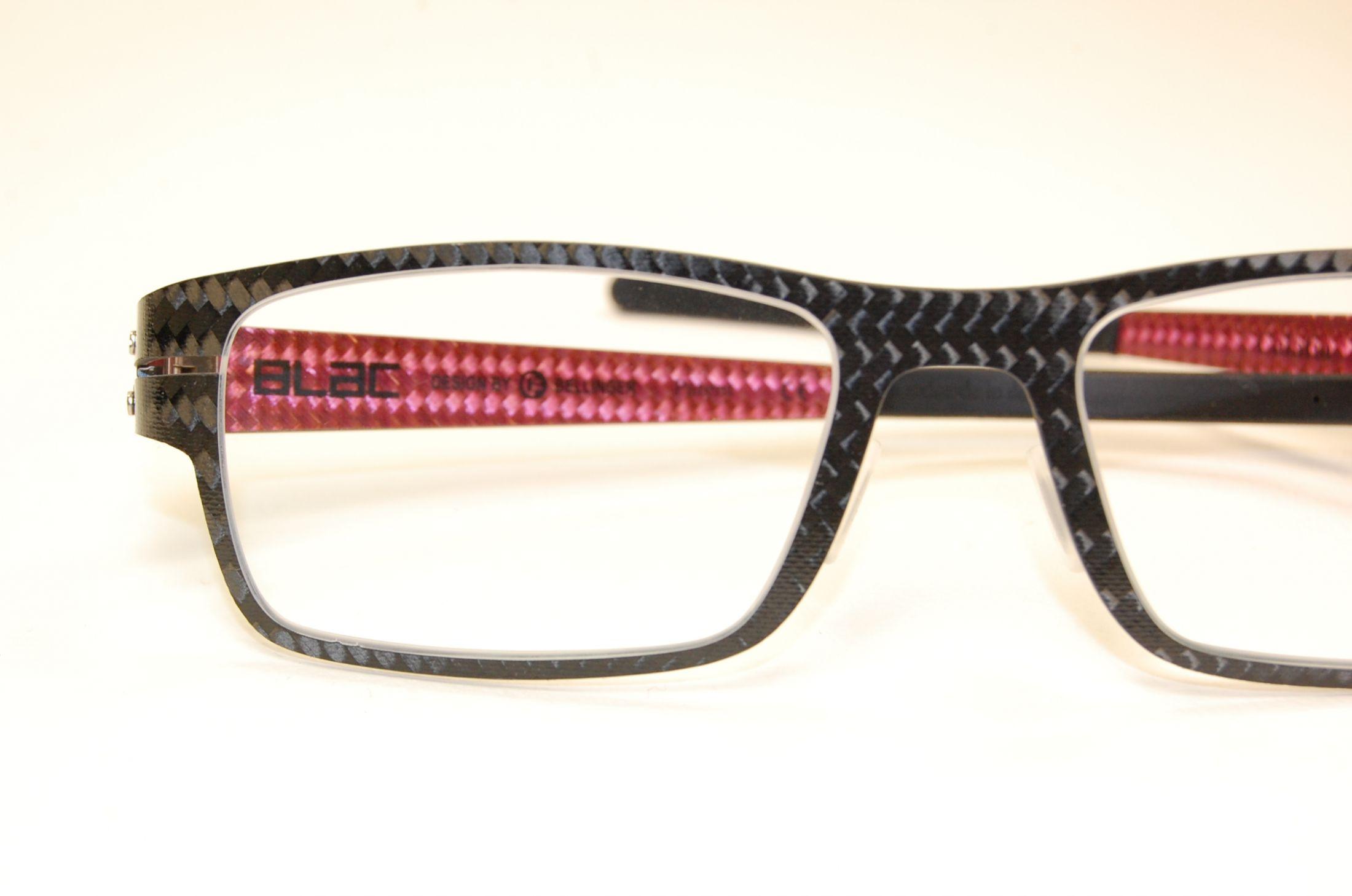 22b9b1e227720 Lunettes de vue en carbone de la marque BLAC - Opticien haut de ...