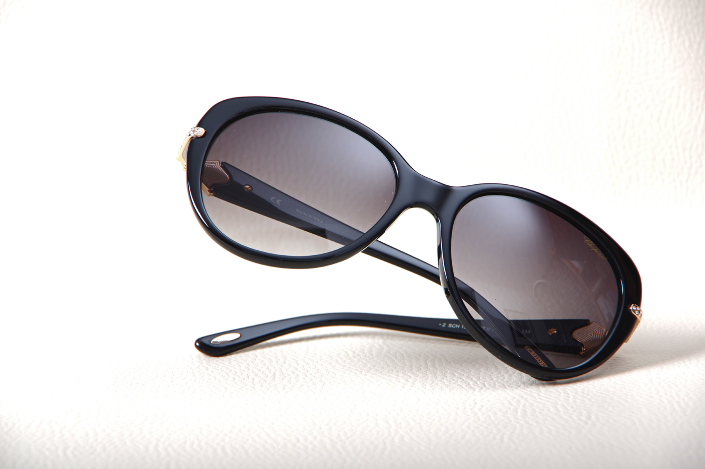 e8c2d39c9b0 ... Où trouver les lunettes de soleil CHOPARD SCH 130S à proximité de Le Havre  76 ...