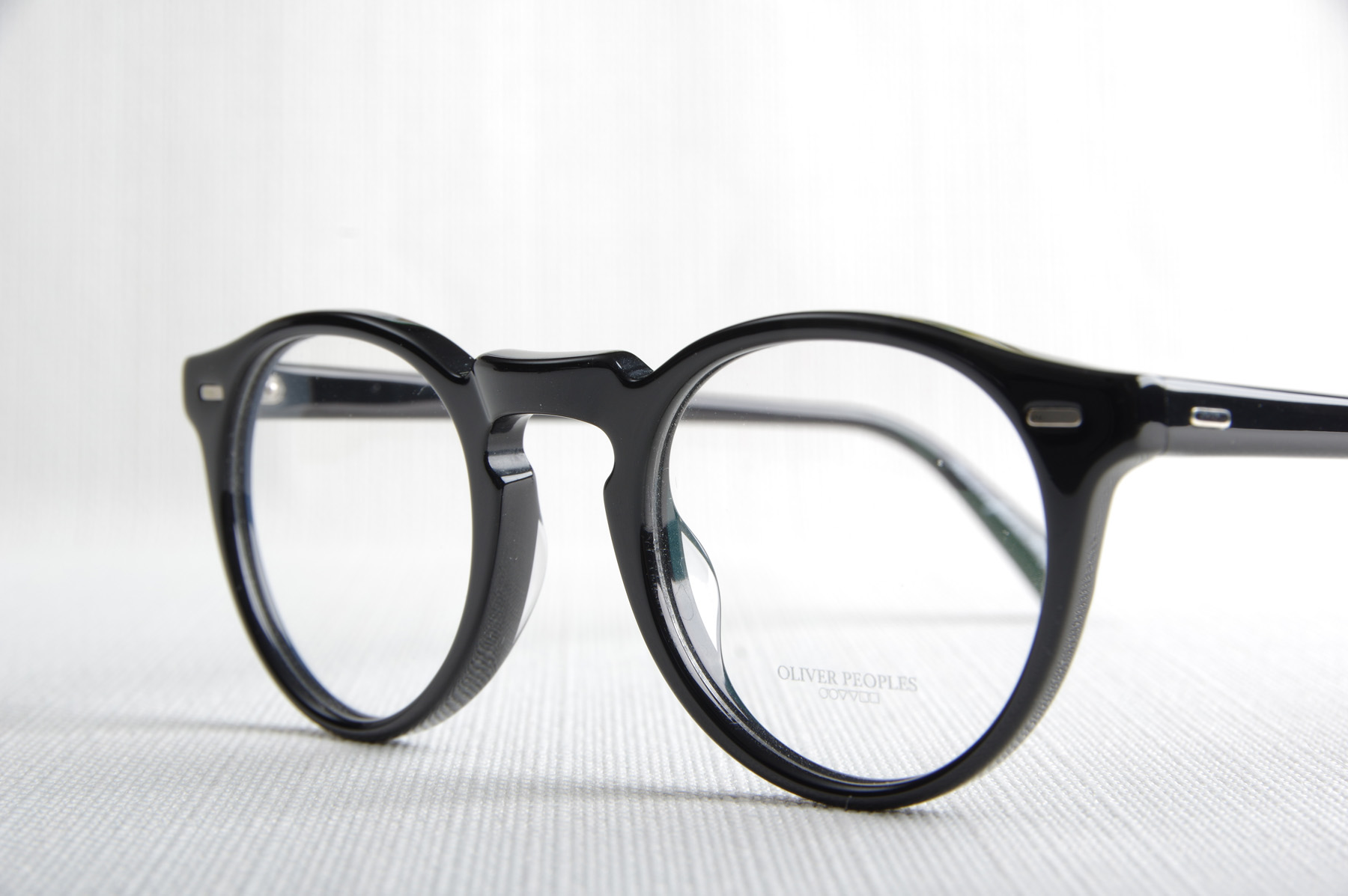 83495fe1070e9d ... Trouver des lunettes vintage OLIVER PEOPLES, Le Havre, 76 ACHAT GREGORY  PECK ...