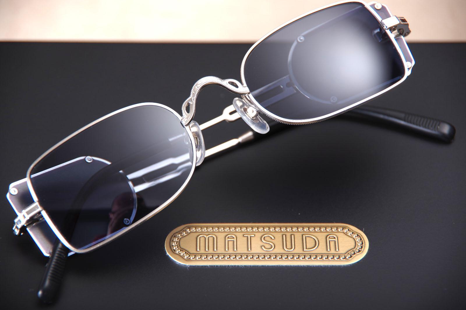 Où trouver les lunettes de soleil MATSUDA 10611 H proche Paris, France   9da39311e7bf